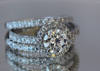 Platinum-Halo-with-Wedding-Bands