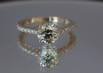 Yellow-Gold-Sol-with-Diamonds